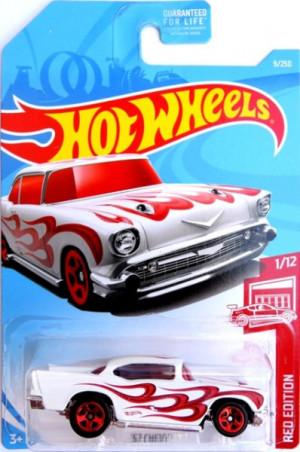 HOT WHEELS - '57 Chevy (white) - poškozený obal