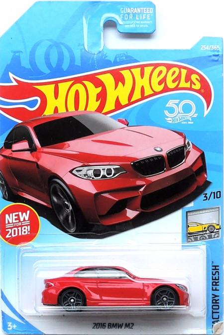 HOT WHEELS - 2016 BMW M2 - mírně poškozená karta