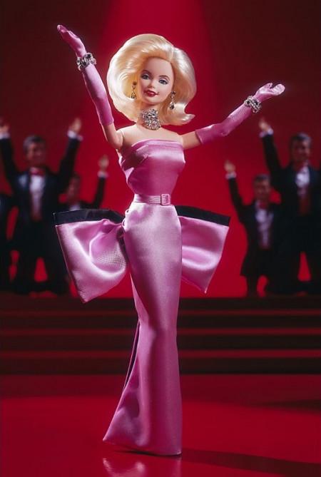 BARBIE Doll as Marilyn in the Pink Dress from Gentlemen Prefer Blondes - rok 1997 - mírně poškozený obal